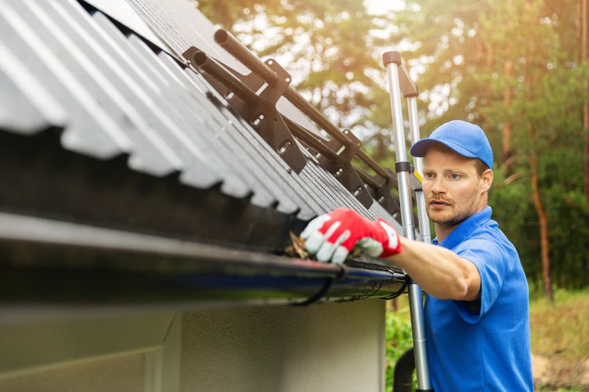 4 Reasons Why You Should Have Your Gutters Cleaned